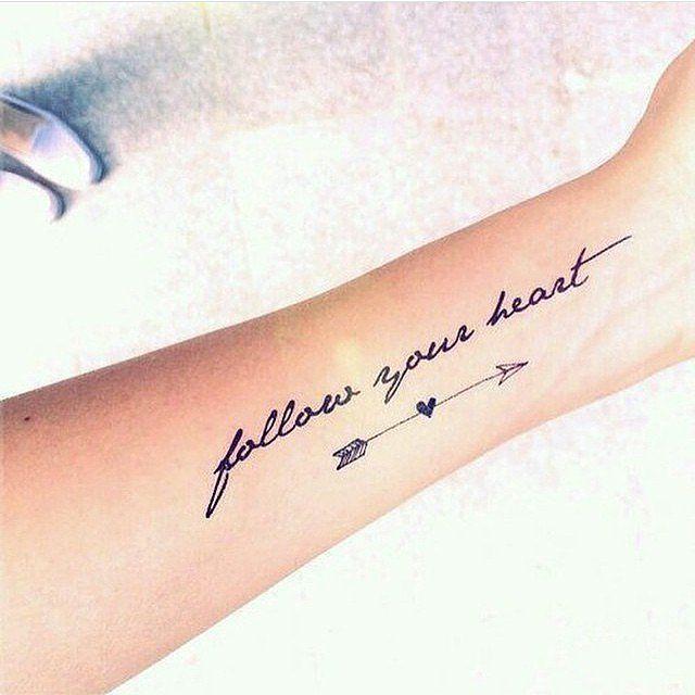 Tatouage avant-bras femme mantra